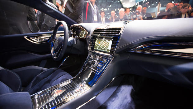 Ford renews focus on luxury brand lincoln at new york for 2015 lincoln continental interior