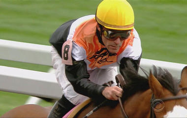 Oldest jockey makes comeback at Kentucky Derby