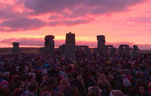 Sightseers gather to witness summer solstice from Stonehenge