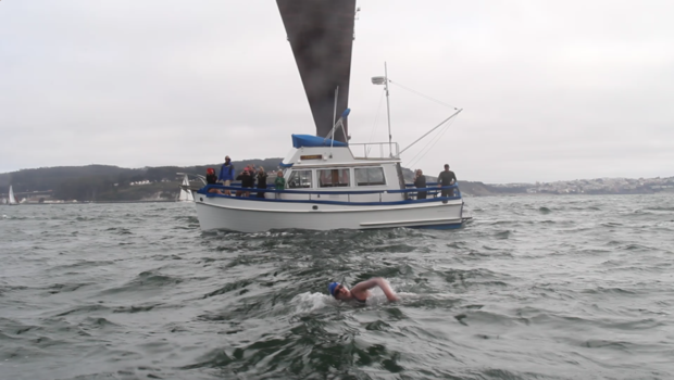 Kimberley--Chambers--swim--Faralons--to--San--Francisco--support--boat