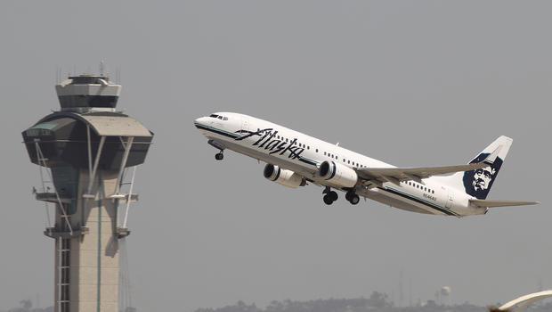 Alaska Airlines: Unruly passenger forces jet to divert