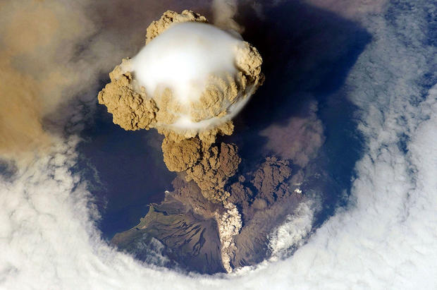 Sarychev volcano - Volcanic eruptions seen from space ...