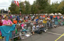 Pope Francis draws hundreds of thousands to Catholic rally