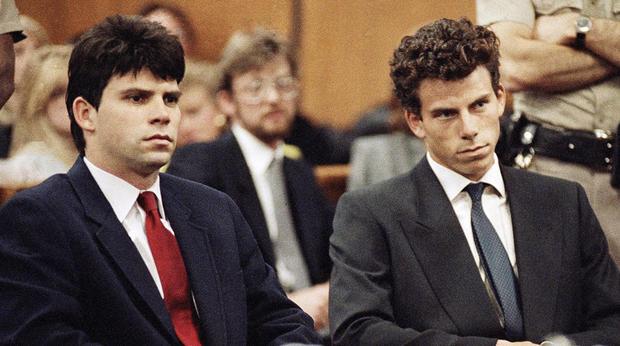 Lyle,左,和Erik Menendez