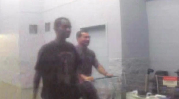 George Tiaffay和Noel Stevens在监视视频中一起购物