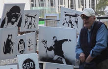 Banksy sets up stall in NYC, sells art for $60