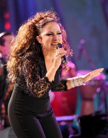 NCLR ALMA Awards - Gloria Estefan - Pictures - CBS News