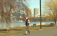 Boston bombing survivor to run marathon