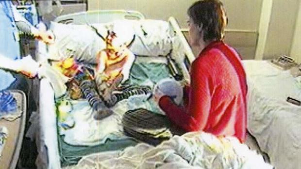 在加内特病情发生变化之前,医院脑电图视频的一个框架。