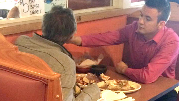 Man without hands wasn't expecting this response from young waiter