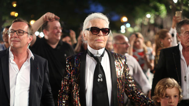 Lagerfeld blames Kardashian for being too public with wealth