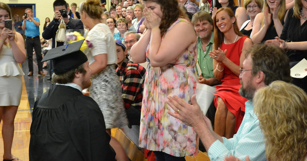 WATCH: College grad leaves stage to ask girlfriend important question