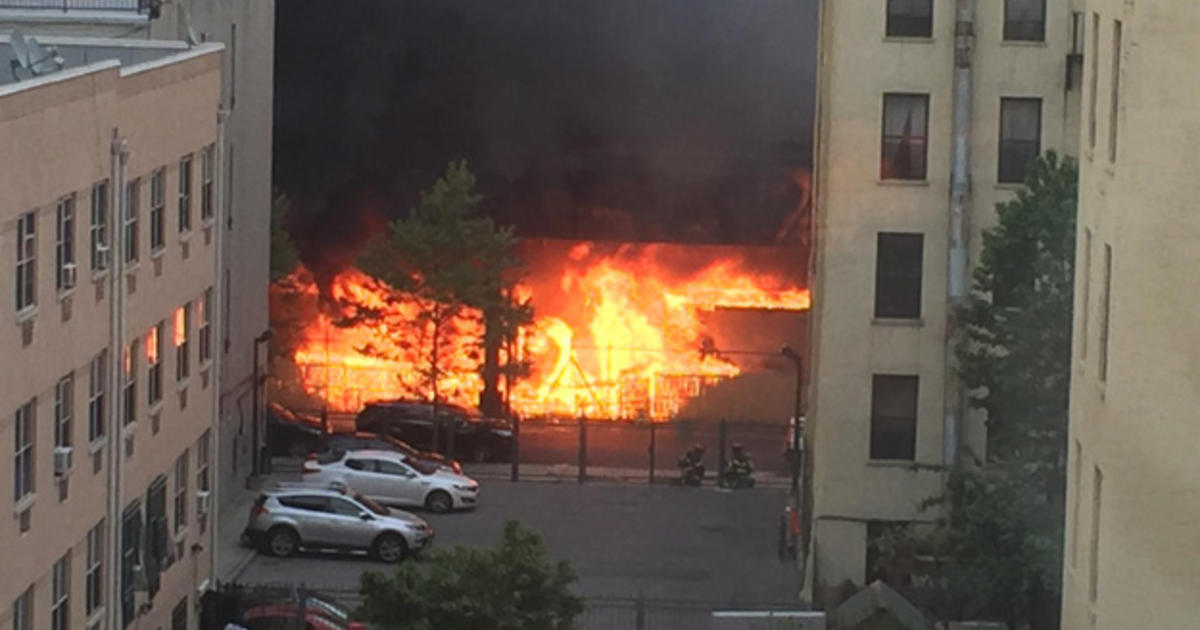 Nyc Commuter Nightmare Continues After Raging Fire Cbs News