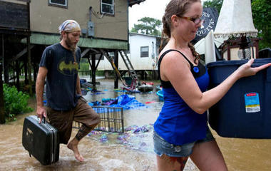 Louisiana begins cleanup after floods destroy tens of thousands of homes