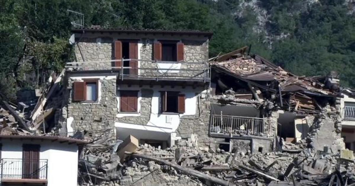 Powerful aftershocks stall Italy recovery efforts