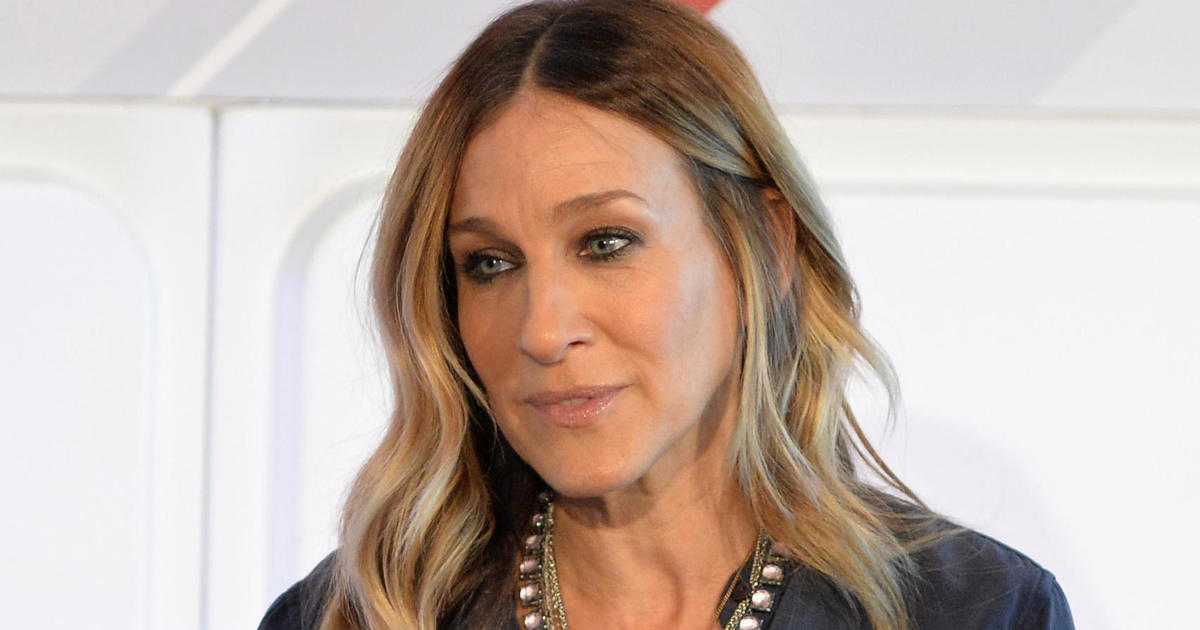 Sarah Jessica Parker Cuts Ties With Epipen Over Price