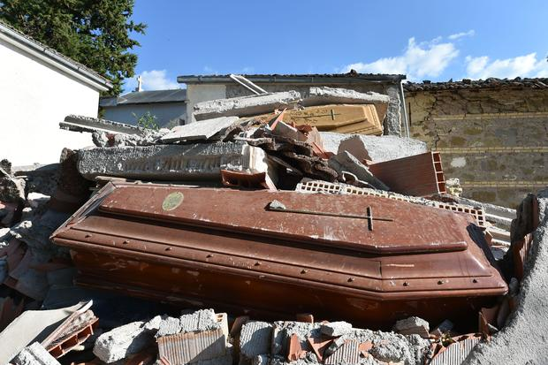 italy-earthquake-gettyimages-596257052.jpg