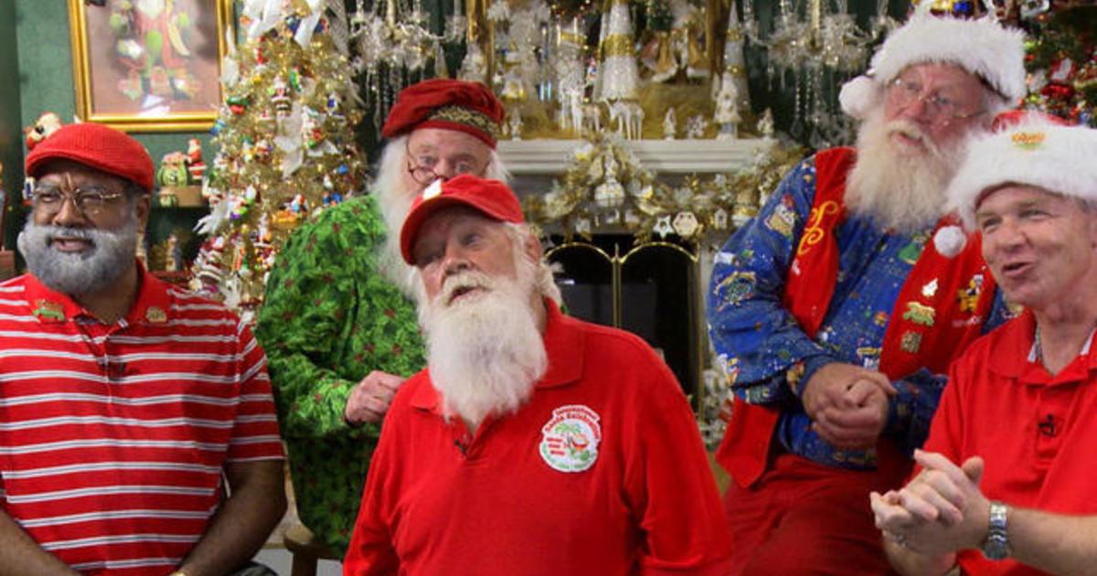Santa convention brings holiday cheer to summer