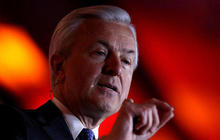 Wells Fargo CEO forfeits $41M in stocks