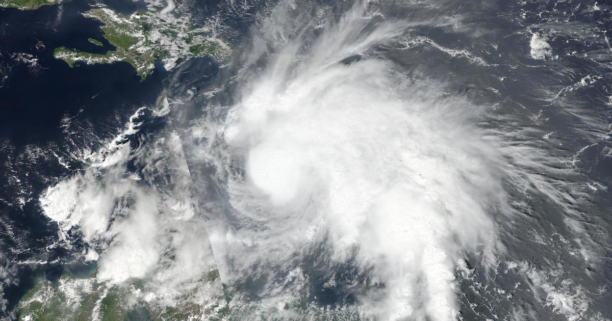 Category 5 Tornado : Hurricane matthew strengthens to powerful category storm