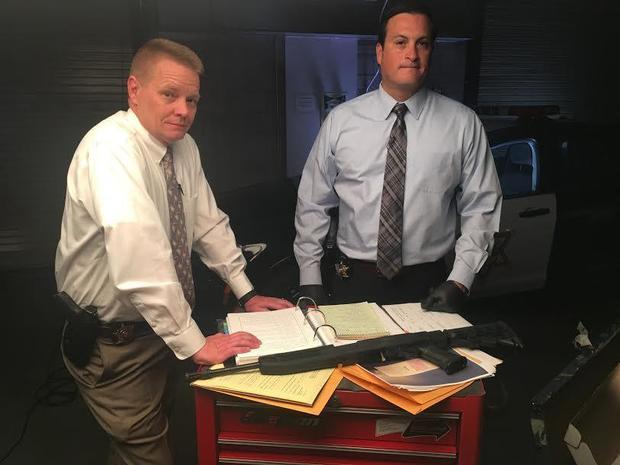 调查人员Mike Thompson和Justin Montano