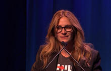 "Julia Roberts drops ""F-bomb"" while speaking at ""Broadway for Hillary"""
