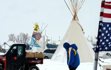 Snowstorm threatens pipeline protesters