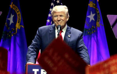 Trump touts Carrier deal before kicking off victory rally