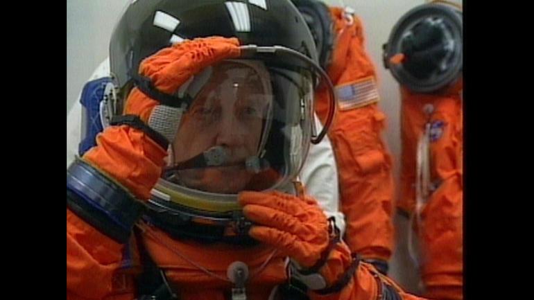 Astronaut John Glenn dies at 95