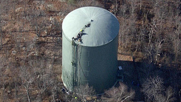 Body of water tank inspector recovered after 16 hours