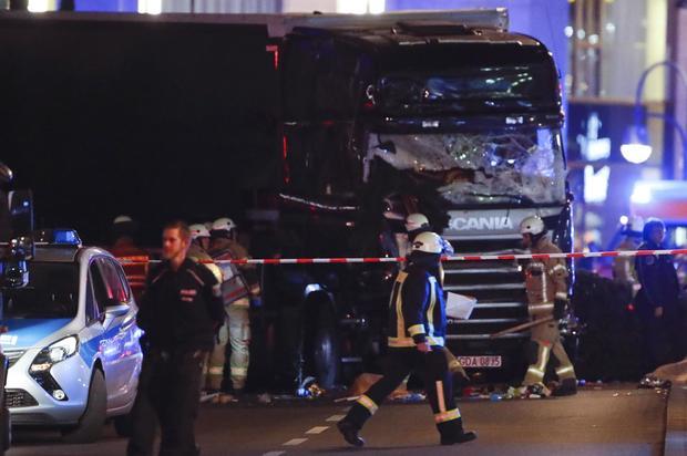 2016-12-19t205035z-94639451-lr1eccj1lw0hj-rtrmadp-3-germany-truck.jpg