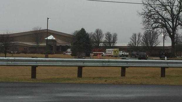 1 hurt, 1 in custody in OH school shooting