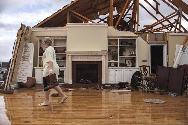 Severe weather, Tornado rips apart South US killing 19