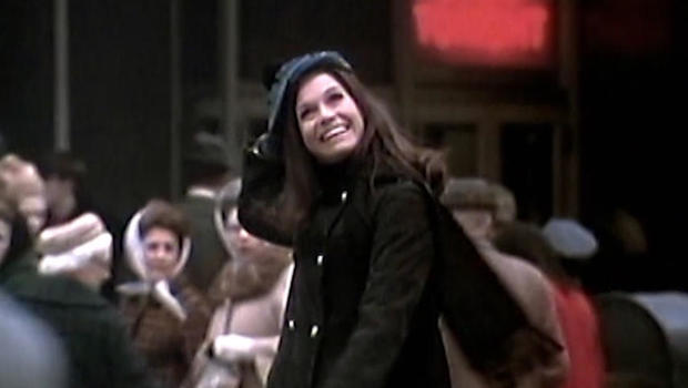 Mary tyler moore beloved tv icon is dead at 80 cbs news - Mary tyler moore show ...