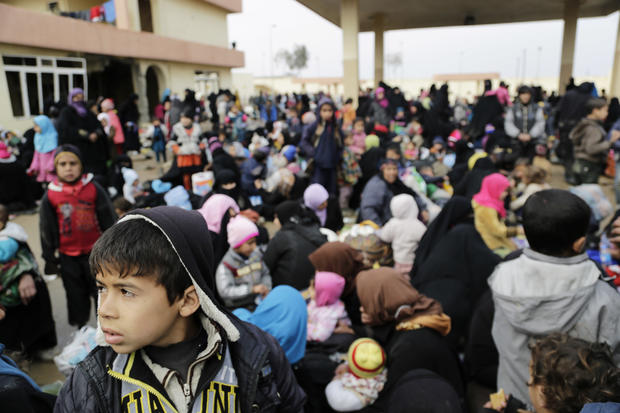 As Mosul Fight Continues, US Trains Iraqis Forces How to Build Bridges