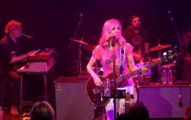 Sheryl Crow: Singer, cancer survivor