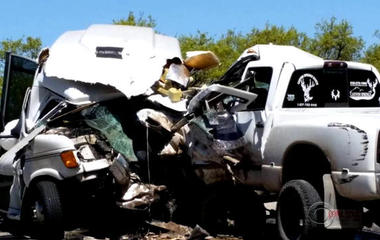 Texting while driving may be cause of deadly bus crash
