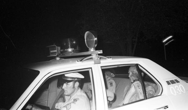 卡伦 - 戴维斯 -  policecar.jpg