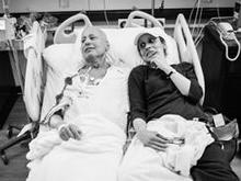nancy-borowick-hospital-bed-26-244.jpg