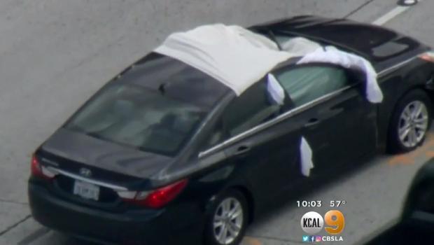 Tire flies off vehicle , kills driver on freeway in Santa Clarita
