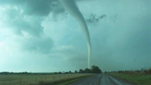 风暴追加-龙卷风-VAL-和AMY-蓖麻-B-620.jpg