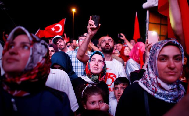 2017-07-15t193804z-175515784-rc136f023670-rtrmadp-3-turkey-security-anniversary.jpg