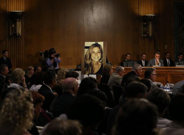 参议院听取了关于移民执法政策和公共安全的听证会