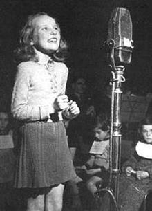 petula-clark-bbc-radio-1942.jpg