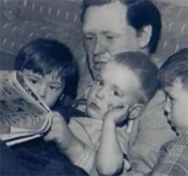阿瑟 - 利思戈阅读到他的子女-244.jpg