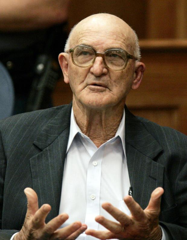 克兰斯曼对1964年谋杀案的审判仍在继续