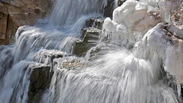 质朴的瀑布,黄石国家公园 - 凡尔纳lehmberg-620.jpg