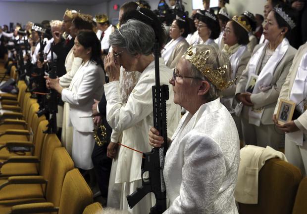 教堂仪式AR15步枪