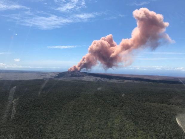 在夏威夷的基拉韦厄火山爆发后,数百人被迫撤离