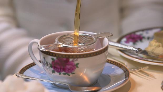 周日早上,在伦敦茶时间浇-620.jpg